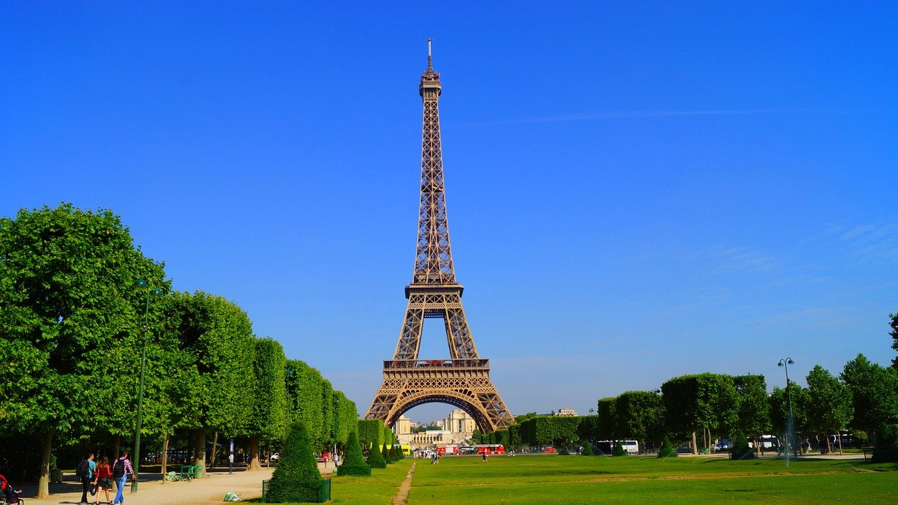 9 Curious Facts about Paris